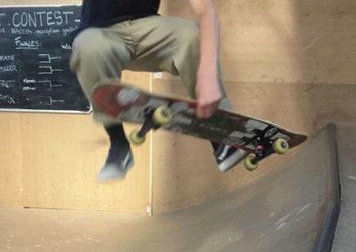 Apprenez à faire des figures de skate, trottinette, roller...