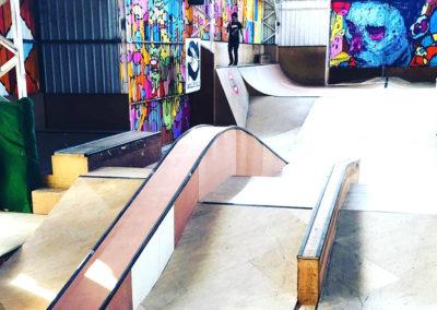 Un skatepark de qualité, en bois